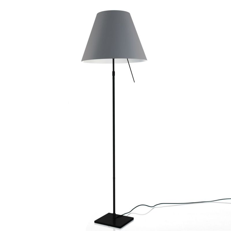 costanza lampadaire pied noir espace lumi re. Black Bedroom Furniture Sets. Home Design Ideas