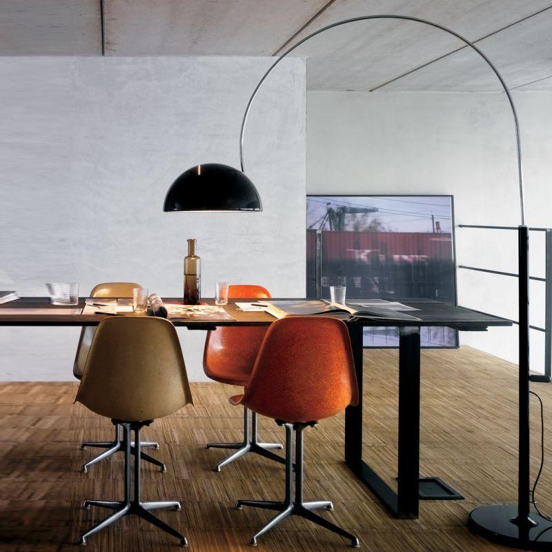 Coupé2202 lampadaire design réédition design noir blanc Oluce Espace